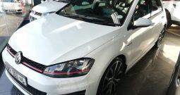 2016 Volkswagen GTI Performance pack